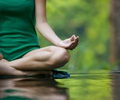 Yoga στην καρέκλα: η γιόγκα για την καθιστική ζωή!